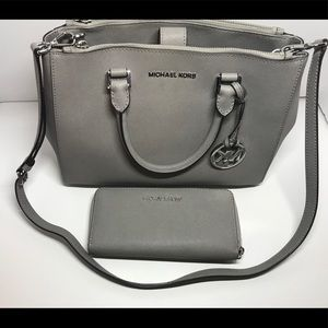 Michael Kors Sutton handbag and wallet set bundle